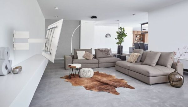 THIN 545 ExtraThin Full-Motion TV Wall Mount white room1
