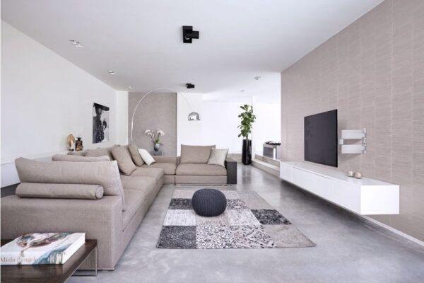 THIN 545 ExtraThin Full-Motion TV Wall Mount white room2