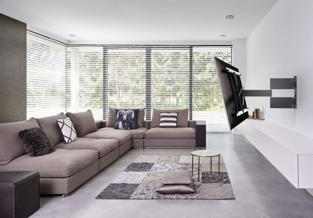Vogel's THIN 445 ExtraThin Full-Motion TV Wall Mount living_room-tv